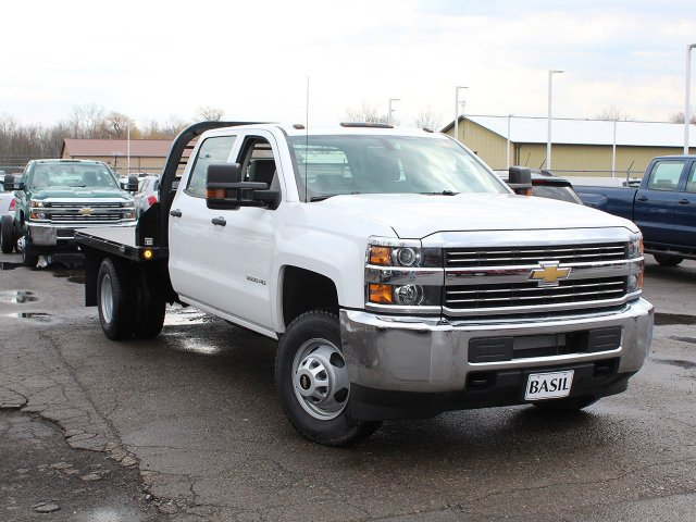 2017 Silverado 3500 Crew Cab DRW 4x4,  Reading Platform Body #17C259T - photo 7