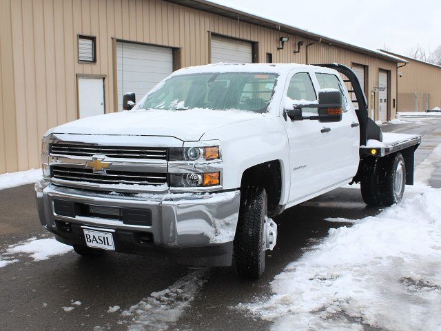 2017 Silverado 3500 Crew Cab DRW 4x4, Reading Platform Body #17C259T - photo 8