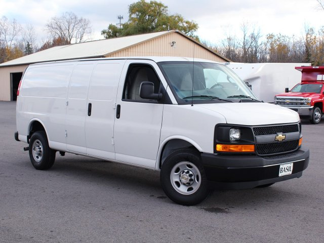 2017 Express 3500 Cargo Van #17C276T - photo 4