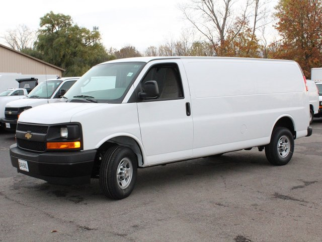 2017 Express 3500 Cargo Van #17C285T - photo 4