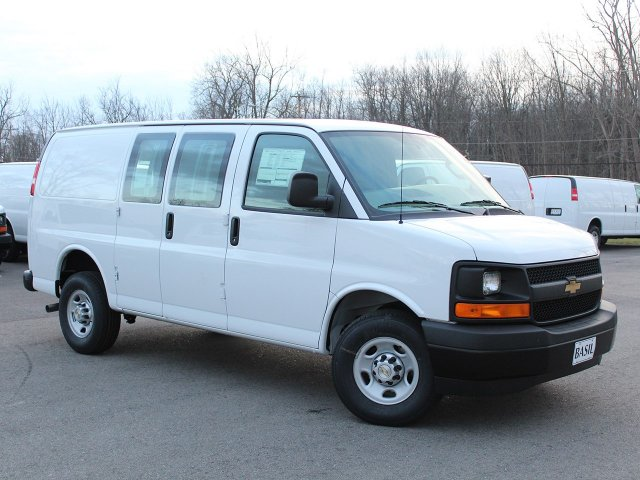 2017 Express 2500 Cargo Van #17C294T - photo 4