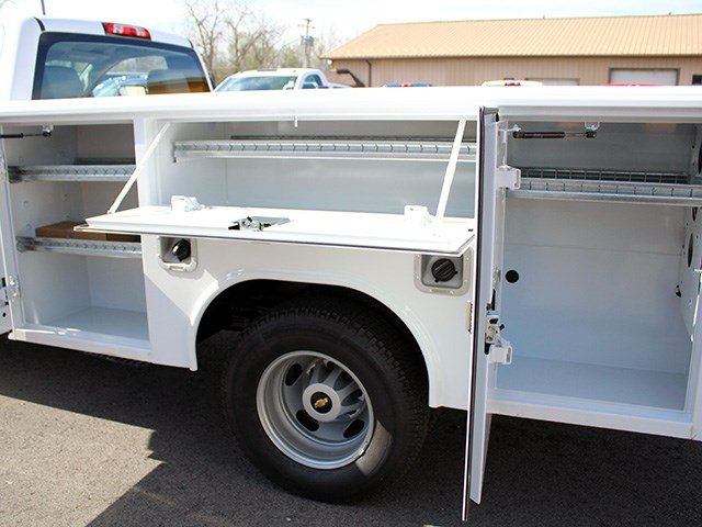 2017 Silverado 3500 Regular Cab DRW 4x4, Reading Classic II Steel Service Body #17C62T - photo 11