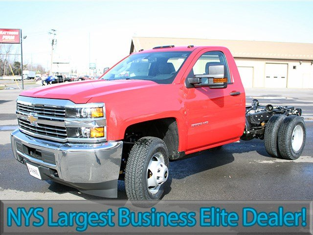 2017 Silverado 3500 Regular Cab 4x4, Cab Chassis #17C76T - photo 3