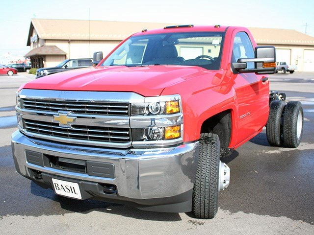 2017 Silverado 3500 Regular Cab 4x4, Cab Chassis #17C76T - photo 7