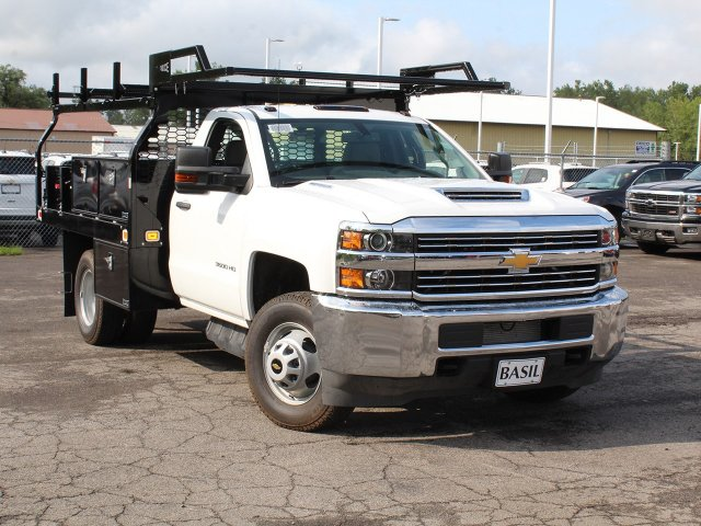 2018 Silverado 3500 Regular Cab DRW 4x4,  Knapheide Contractor Body #18C169T - photo 10