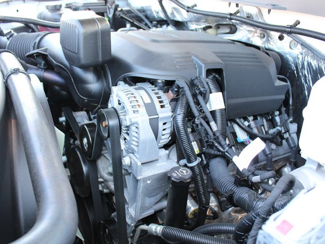2018 Silverado 3500 Crew Cab DRW 4x4,  Reading Service Body #18C173T - photo 23
