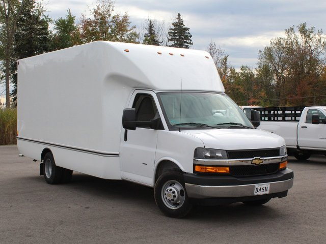 2018 Express 3500 4x2,  Unicell Cutaway Van #18C211T - photo 17