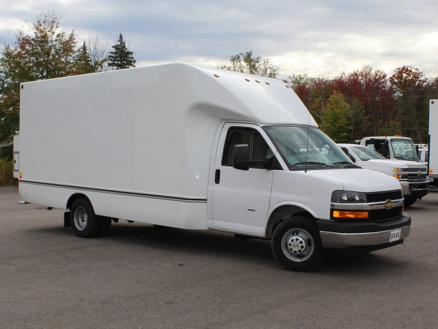 2018 Express 3500 4x2,  Unicell Cutaway Van #18C211T - photo 38
