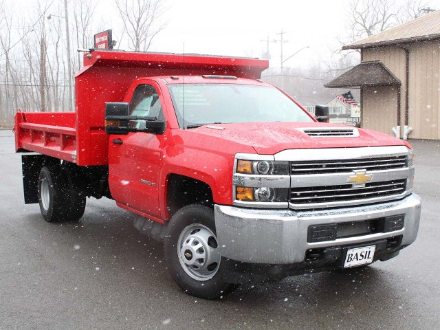 2018 Silverado 3500 Regular Cab DRW 4x4,  Cab Chassis #18C215T - photo 5