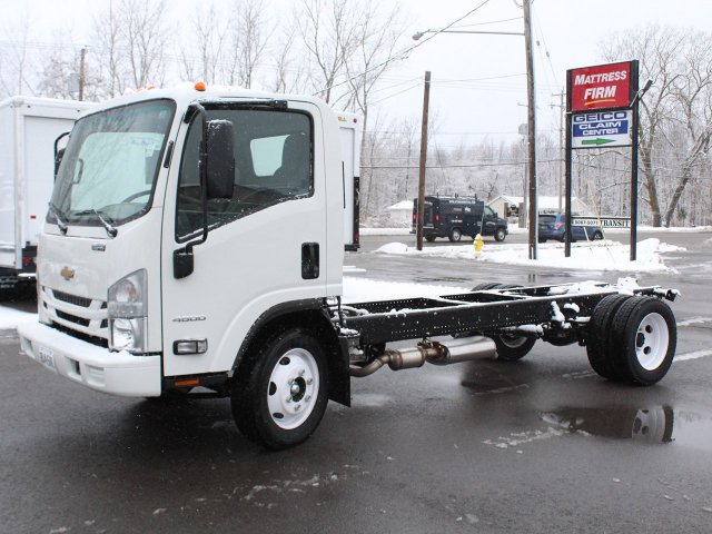 2018 LCF 4500 Regular Cab 4x2,  Cab Chassis #18C224T - photo 3