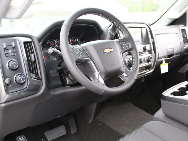 2018 Silverado 2500 Crew Cab 4x4, Pickup #18C25T - photo 20