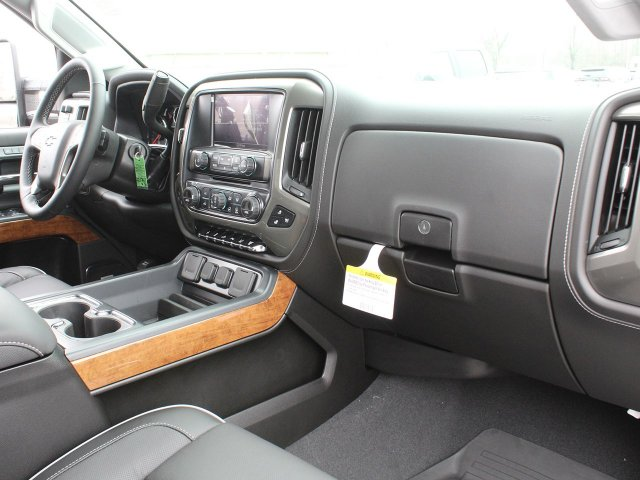 2019 Silverado 2500 Crew Cab 4x4,  Pickup #19C113T - photo 30