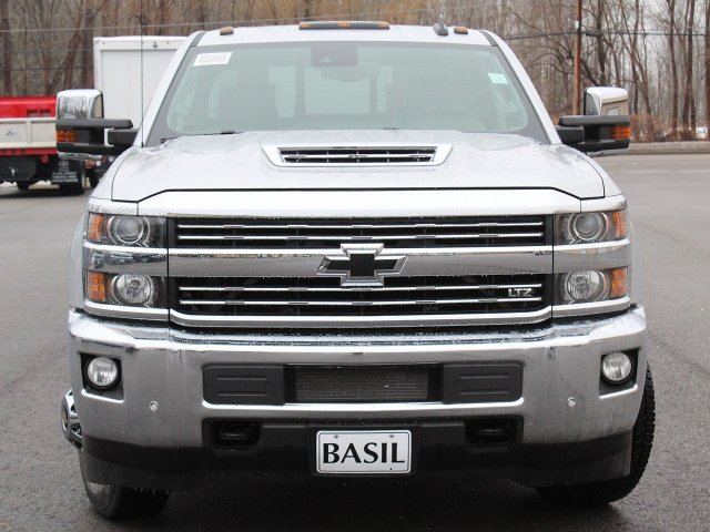 2019 Silverado 3500 Crew Cab 4x4,  Pickup #19C129T - photo 5