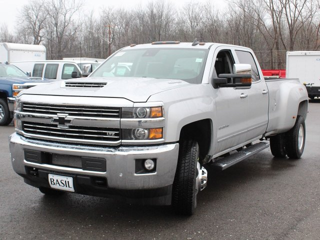 2019 Silverado 3500 Crew Cab 4x4,  Pickup #19C129T - photo 9