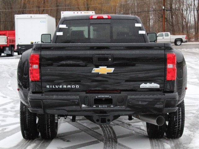 2019 Silverado 3500 Crew Cab 4x4,  Pickup #19C132T - photo 6