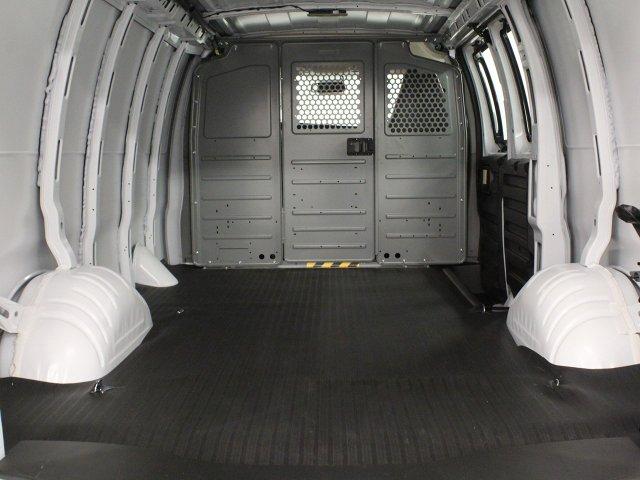 2019 Express 2500 4x2,  Empty Cargo Van #19C147T - photo 2