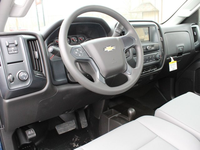 2019 Silverado 3500 Regular Cab DRW 4x4,  Cab Chassis #19C167T - photo 18