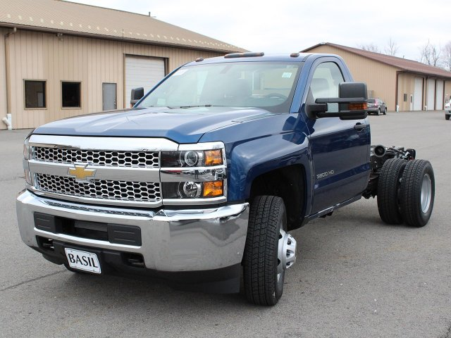 2019 Silverado 3500 Regular Cab DRW 4x4,  Cab Chassis #19C167T - photo 5