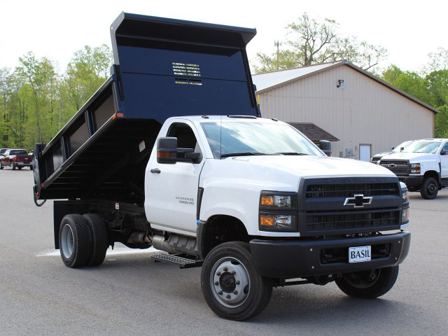 2019 Silverado Medium Duty Regular Cab 4x4,  Air-Flo Dump Body #19C169T - photo 3