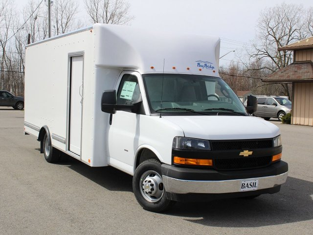 2019 Express 3500 4x2,  Bay Bridge FRP Cutaway Van #19C175T - photo 7