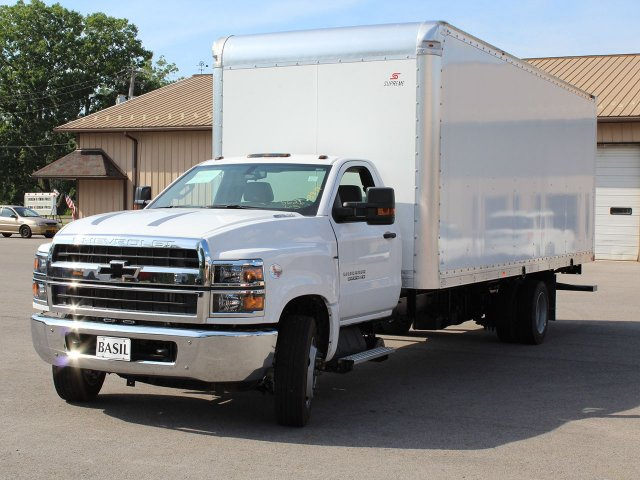 2019 Silverado Medium Duty DRW 4x2,  Cab Chassis #19C186T - photo 4