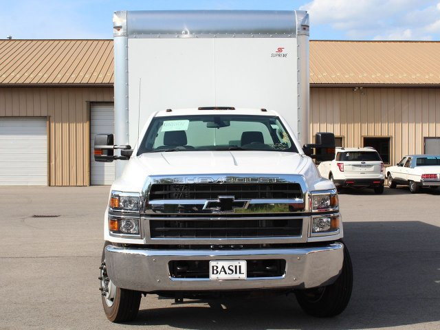 2019 Silverado Medium Duty DRW 4x2,  Cab Chassis #19C186T - photo 5