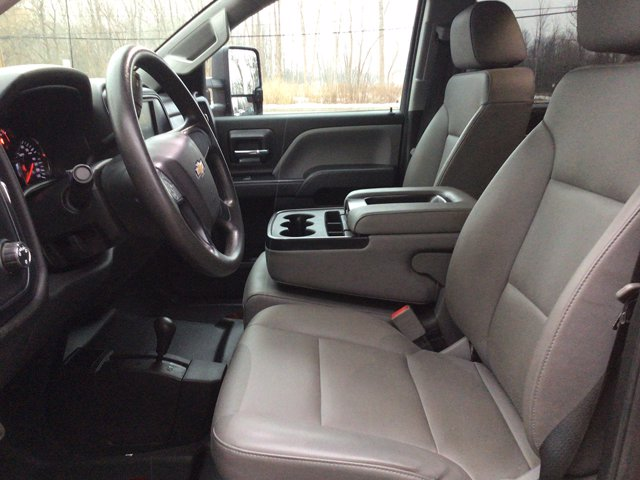 2019 Silverado 3500 Crew Cab DRW 4x4,  Reading Service Body #19C191T - photo 3