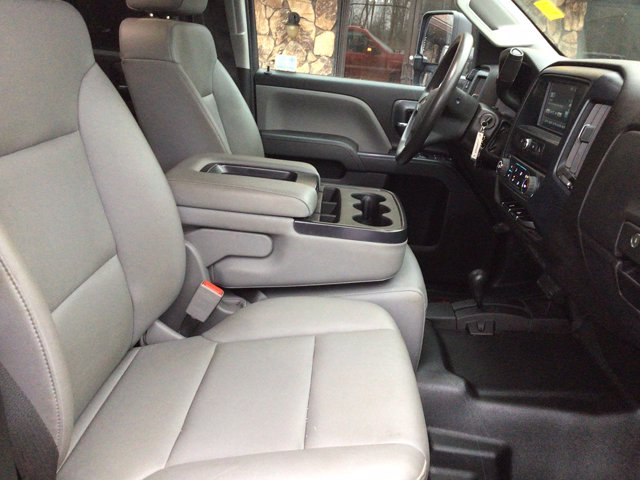 2019 Silverado 3500 Crew Cab DRW 4x4,  Reading Service Body #19C191T - photo 19