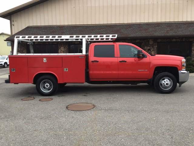 2019 Silverado 3500 Crew Cab DRW 4x4,  Reading Service Body #19C191T - photo 10