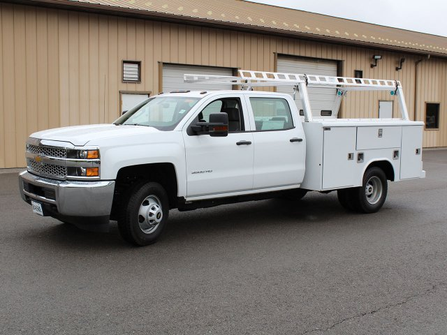 2019 Silverado 3500 Crew Cab DRW 4x4,  Reading Service Body #19C193T - photo 4
