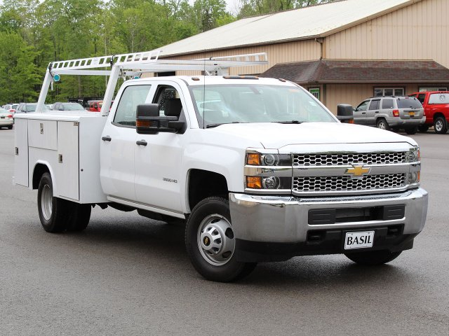 2019 Silverado 3500 Crew Cab DRW 4x4,  Reading Service Body #19C193T - photo 7