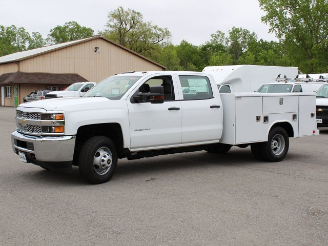 2019 Silverado 3500 Crew Cab DRW 4x4,  Reading Service Body #19C194T - photo 4