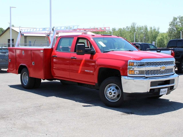 2019 Silverado 3500 Crew Cab DRW 4x4,  Reading Service Body #19C195T - photo 9