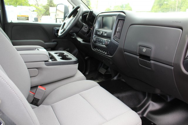 2019 Silverado Medium Duty DRW 4x2,  Cab Chassis #19C205T - photo 20