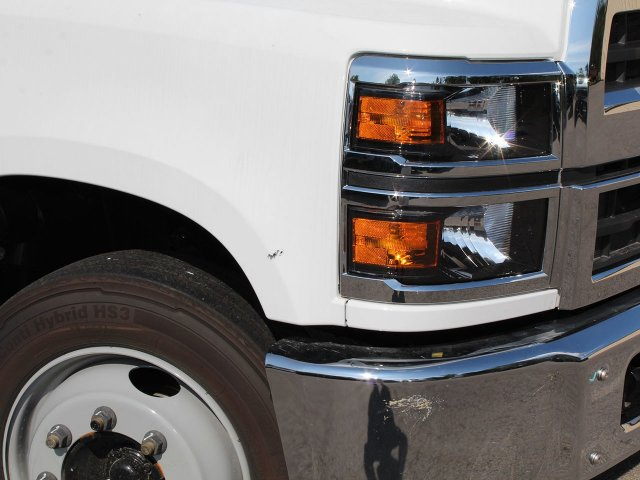 2019 Silverado Medium Duty DRW 4x2,  Cab Chassis #19C205T - photo 2