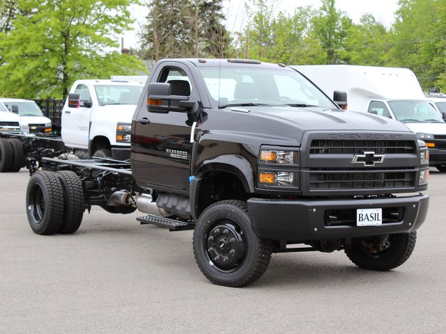 2019 Silverado Medium Duty Regular Cab 4x4,  Cab Chassis #19C206T - photo 7
