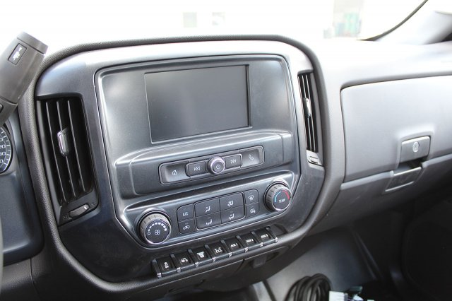 2019 Silverado Medium Duty Regular Cab 4x4,  Cab Chassis #19C207T - photo 9
