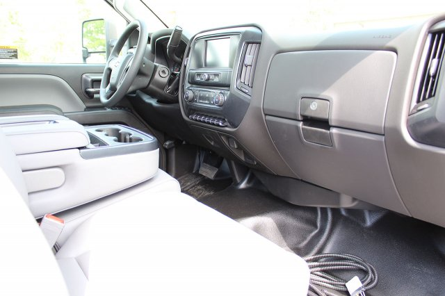 2019 Silverado Medium Duty Regular Cab 4x4,  Cab Chassis #19C207T - photo 17