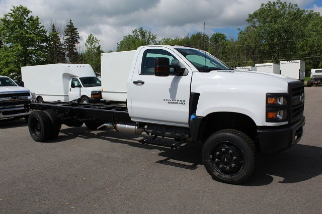 2019 Silverado Medium Duty Regular Cab 4x4,  Cab Chassis #19C207T - photo 6