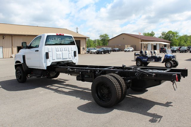 2019 Silverado Medium Duty Regular Cab 4x4,  Cab Chassis #19C207T - photo 2