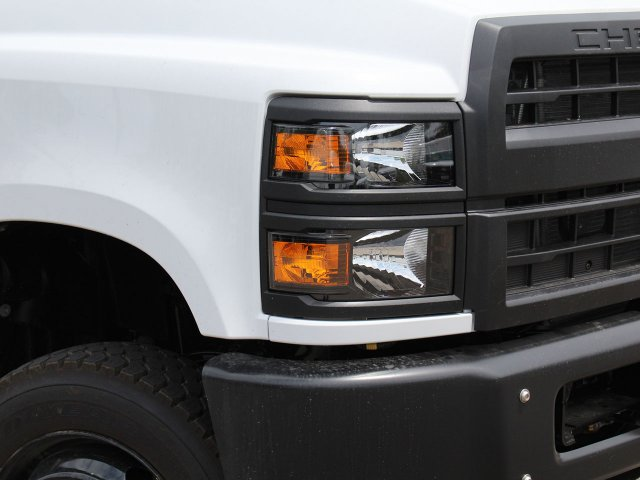 2019 Silverado Medium Duty DRW 4x4,  Cab Chassis #19C217T - photo 7