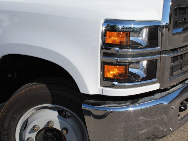 2019 Silverado Medium Duty DRW 4x2,  Cab Chassis #19C226T - photo 2