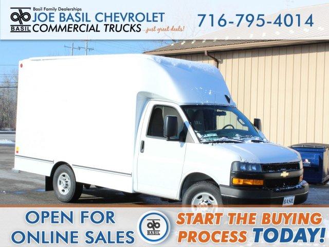 2019 Chevrolet Express 3500 4x2, Unicell Cutaway Van #19C338T - photo 1