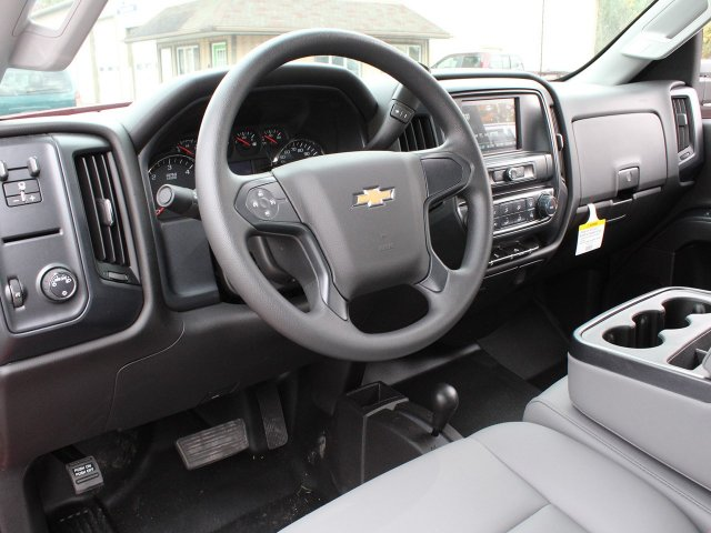 2019 Silverado 3500 Crew Cab DRW 4x4,  Commercial Truck & Van Equipment Gooseneck Platform Body #19C35T - photo 18