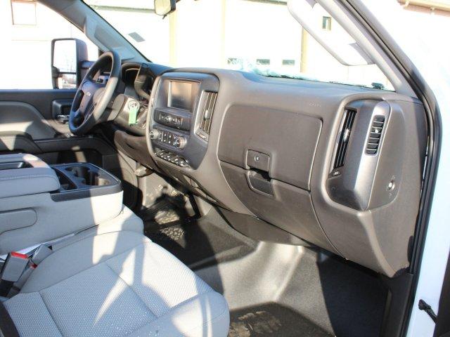 2019 Silverado 5500 Crew Cab DRW 4x4, Cab Chassis #19C362T - photo 26