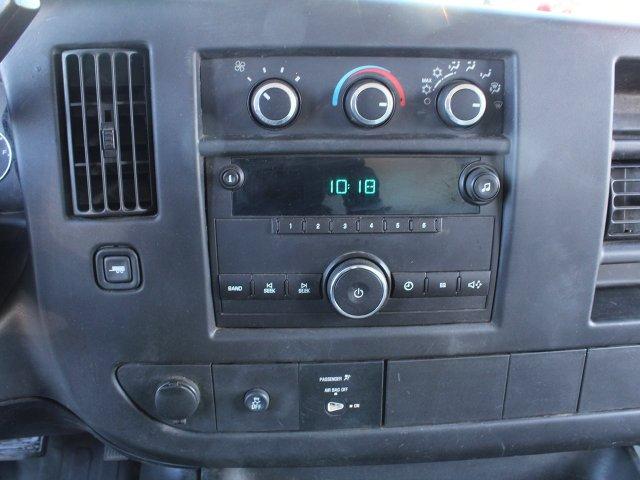 2014 GMC Savana 3500 RWD, Cutaway Van #19C384TU - photo 16