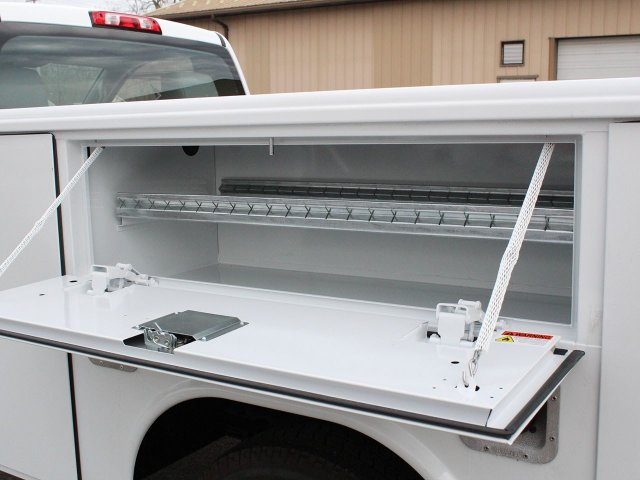 2019 Silverado 3500 Regular Cab DRW 4x4,  Reading Service Body #19C49T - photo 19
