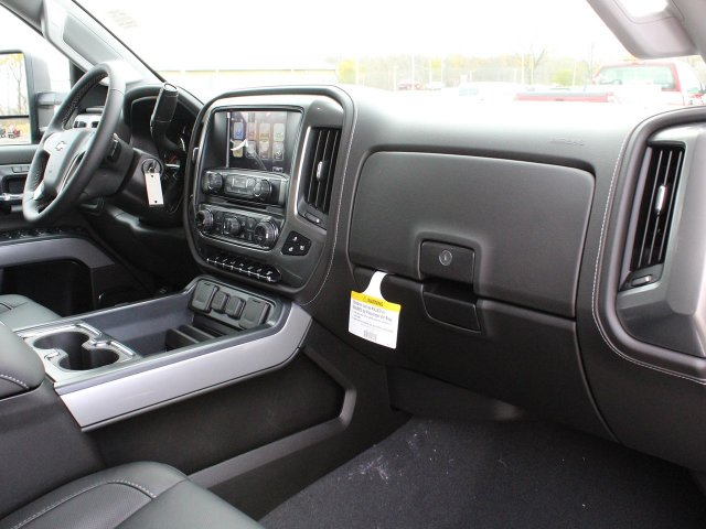2019 Silverado 2500 Crew Cab 4x4,  Pickup #19C58T - photo 31