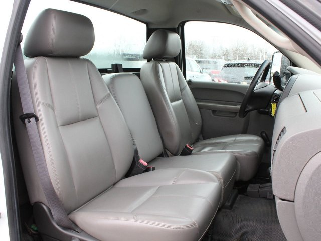 2011 Silverado 3500 Regular Cab 4x4,  Service Body #19C66TU - photo 31