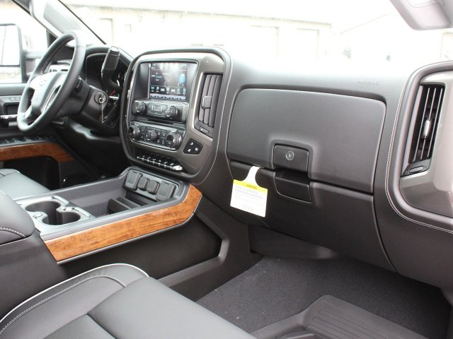 2019 Silverado 2500 Crew Cab 4x4,  Pickup #19C73T - photo 31